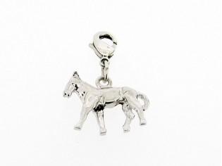 Zilveren bedeltje met thema sport rijpaard figuurtje