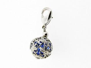 Zilveren bedeltje met saffier Swarovskikristal in filigrain bol