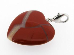 Rode Jaspis edelsteen charm in hart vorm geslepen