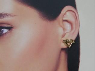 Gouden oor stekertje gestolen hartje