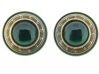 Italiaans fashion oorclip met groene cabuchon omrand met nappa leder gezet in gouden chaton Grieks motief