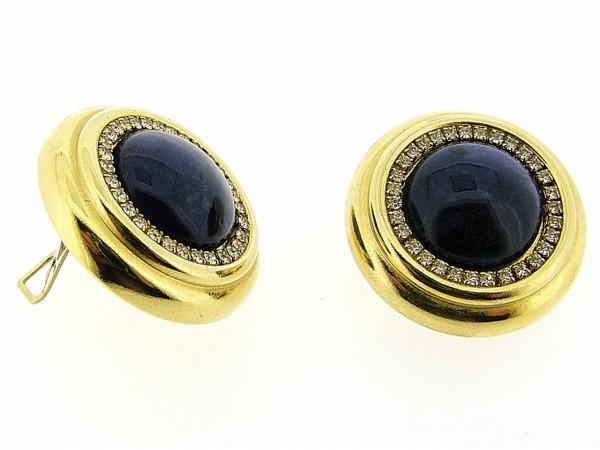 Italiaans fashion oorclip met sodaliet edelsteen cabuchon omrand met Swarovski kristallen en gezet in gouden chaton