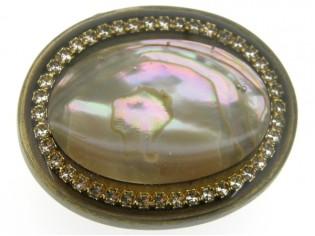 Broche Mother of pearl (Parelmoer) omringd met Swarovski kristallen in ovale brons kleurige Italiaanse cabuchon