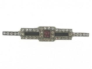 Art Deco broche met Swarovski kristallen ingelegd en zwart rood ingekleurd emaille