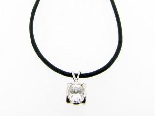 Lederen collier met grote zirconia steen in hoogglanzend Sterling zilveren hangertje