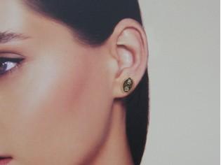 Gouden ovale Swarovski strass oorknop