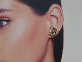 Gouden Griekse oorsteker
