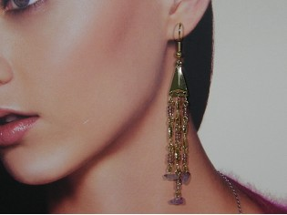 Lange oorhanger met 3rij kleine Lavendel Amethist edelsteentjes