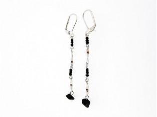 Lange oorhanger met Onyx edelsteentjes, trendy chandelier oorbellen