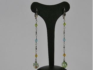 Lange oorhanger met peridoot Swarovski kristallen