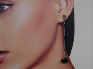 Lange oorhanger met onyx edelsteentjes