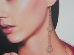 Lange oorhanger met roze kwarts edelsteen