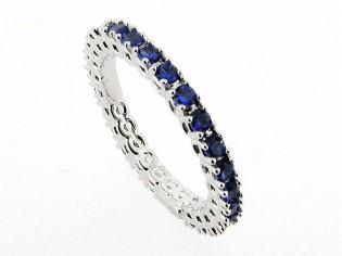 Zilveren trendy ring met Saffier kristallen