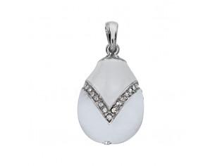 Zilveren hangertje Hermitage Sint Petersburg pendant eitje wit emaille en ingelegde kristallen