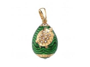 Zilveren hangertje Hermitage Sint Petersburg pendant eitje met 18kt gouden toplaag groen emaille en ingelegde kristallen