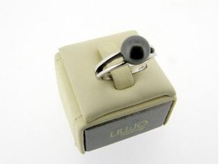 Zilveren trendy  ring met zwarte parel