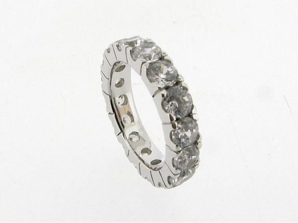 Zilveren trendy  ring met heldere kristallen