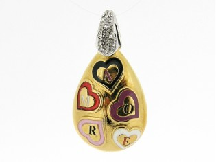 Hangertje met mini hartjes 'amore' met kleurijk emaille inkleurd