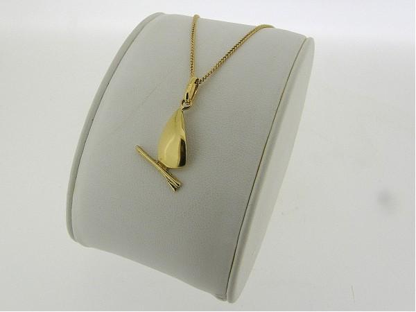 Gouden ketting met hangertje met surfingboard