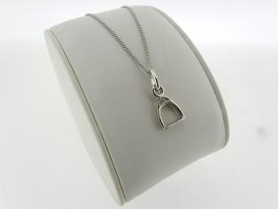 Zilveren Pendant collier met hangertje stijgbeugel