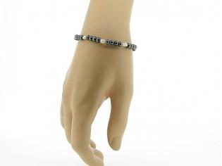 Hematiet armbandje met edelsteentjes gecombineerd met ovale zoetwater pareltjes