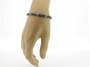 Hematiet armbandje met edelsteentjes gecombineerd met zilveren balletjes
