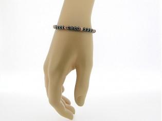 Hematiet armbandje met edelsteentjes gecombineerd met koraal