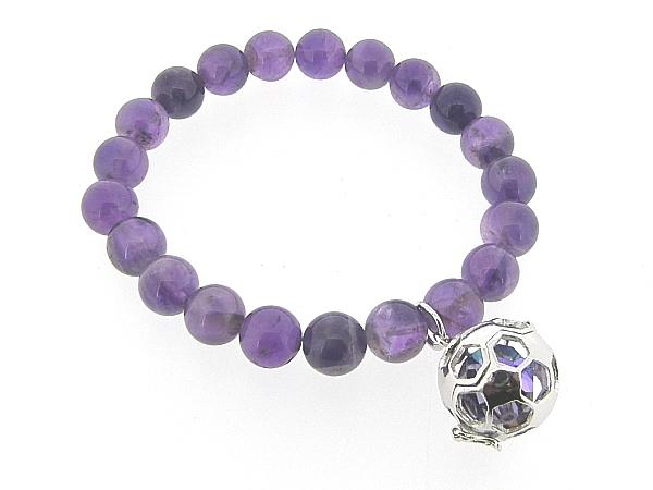 Armband met Donkere Amethist edelstenen met voetbal bedeltje waarin Swarovski kristal