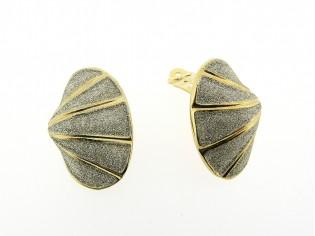 Gouden oorclip schelp model met zilver