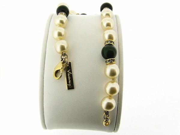 Gouden parel armbandje met donkere Jade en handgeknoopte parels