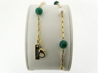 Gouden armbandje met parels en groene agaat edelstenen