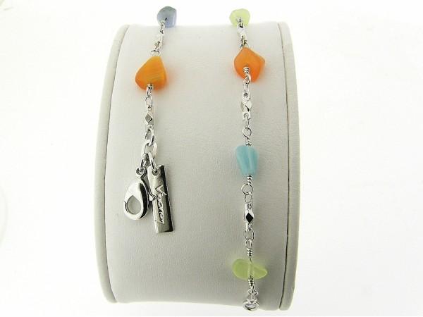 Zilveren armbandje met gekleurde edelsteentjes