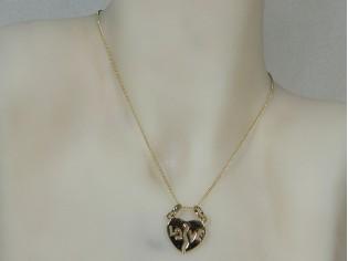 Gouden ketting met hangertje Love hart