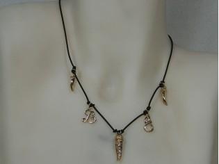 Gouden halsketting Liu Jo collier met charms en rosé gouden toplaag