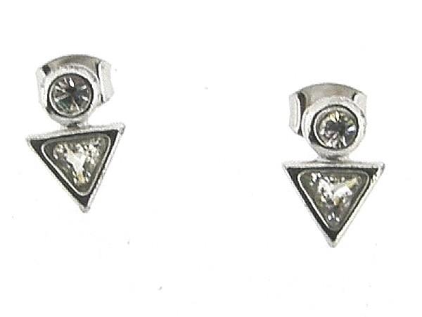 Zilveren driehoek oorknop met zirconia steentjes
